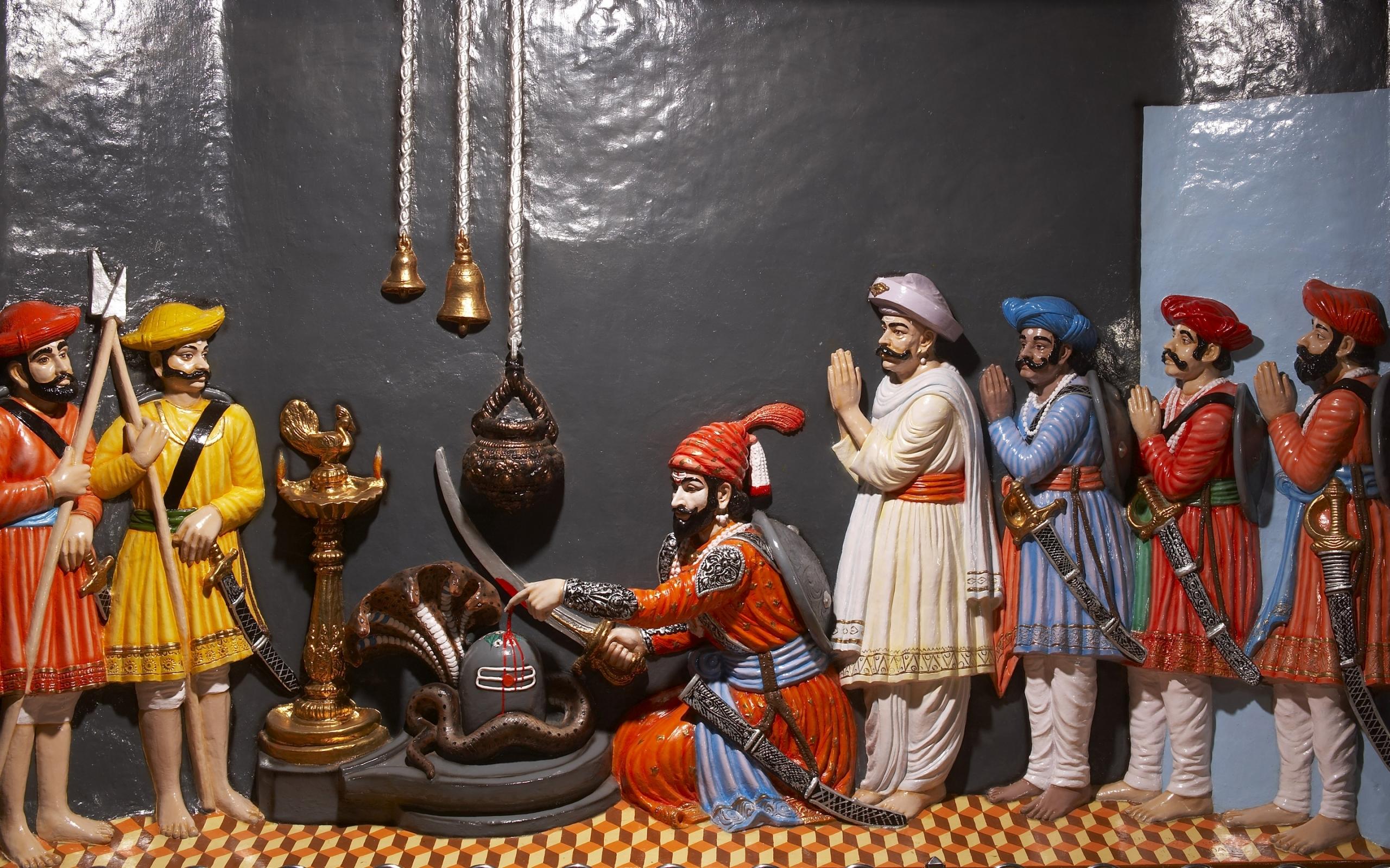 Shivaji at Shiv temple pic